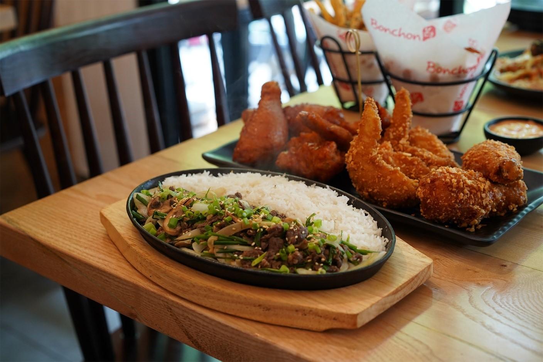 """Thử ngay quán gà rán Hàn Quốc Bonchon ngon """"nức lòng"""" với giá rất hời"""